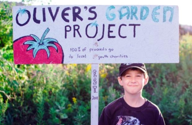 menino-6-cultiva-horta-quintal-ajudar-criancas-fome