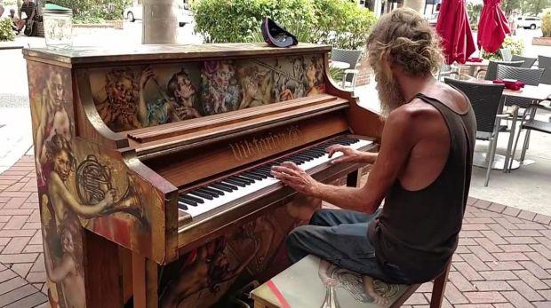 piano-morador-de-rua