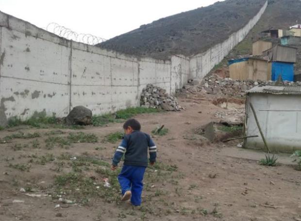 muro_peru_lima_pobres_630